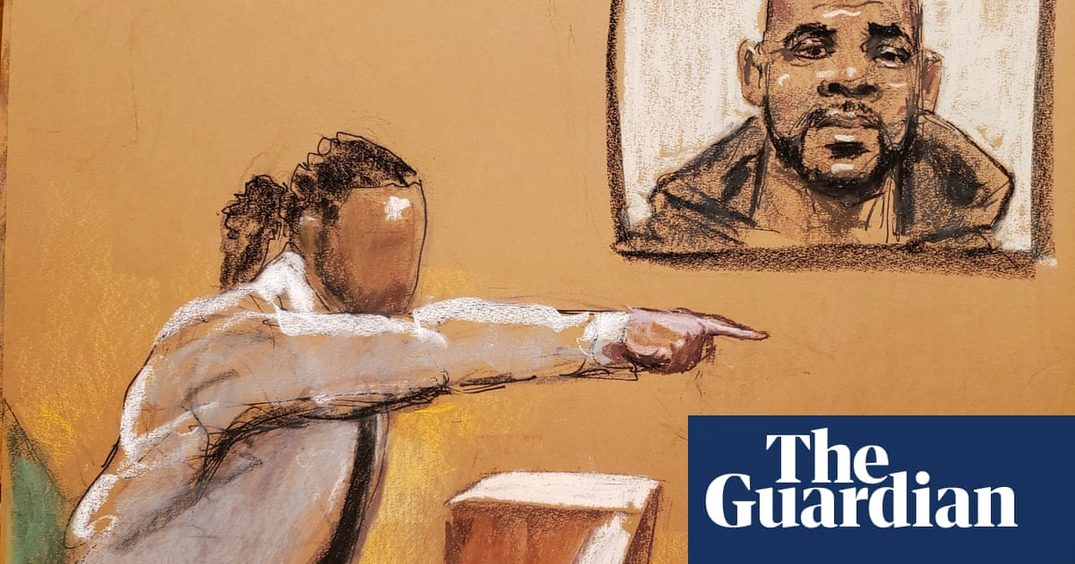 R Kelly: man testifies singer sexually exploited him as a teenager