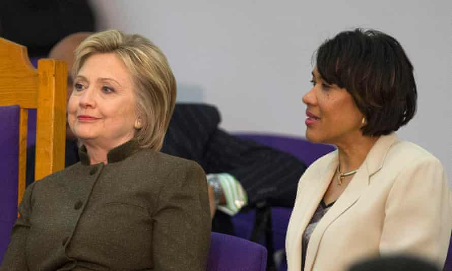 Hillary Clinton visits Flintepa05148559 Democratic presidential candidate Hillary Clinton with Flint Mayor Karen Weaver at the House of Prayer Missionary Baptist Church in Flint, Michigan, USA, 07 February 2016. Clinton vowed to help residents recover from the water contamination crisis. EPA/RENA LAVERTY