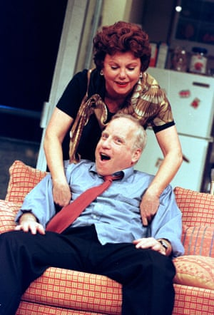 Richard Dreyfuss with Marsha Mason in The Prisoner of Second Avenue at Theatre Royal Haymarket in 1999