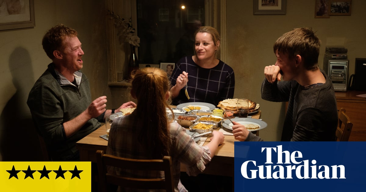 Sorry We Missed You review – Ken Loachs superb swipe at zero-hours Britain