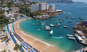 An empty beach in the resort of Acapulco, in Mexico, on 22 March 2020.