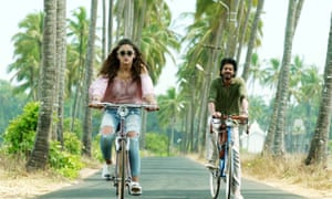 Khan and Bhatt in Dear Zindagi