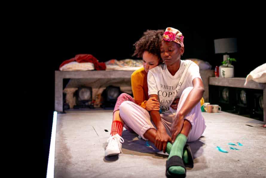 Awosoga and Maturure as Kara and Cleo.