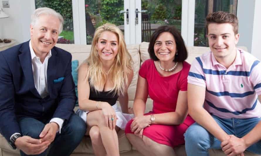 Derek Thomas with his family