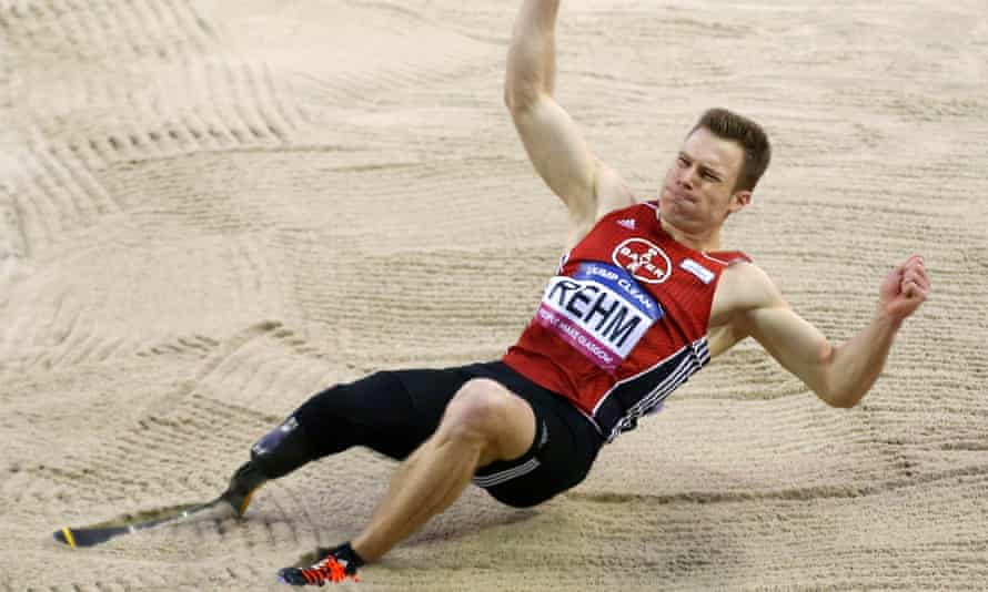 German Markus Rehm jumped 8.10m to win the Glasgow Indoor Grand Prix long jump event, and is keen to meet the IAAF to discuss his ambitions of competing in this year's Olympics.