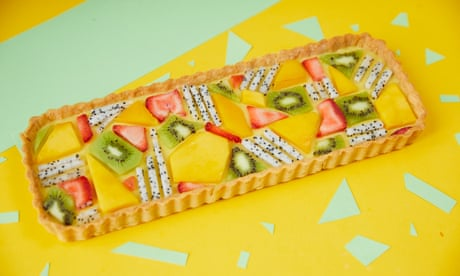 Mango and coconut tart with geometric fruit pieces
