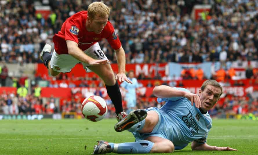 Man Utd v Man City in 2009.