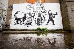 Street art of animals protesting
