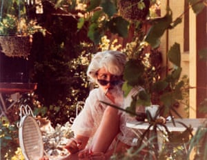 Cindy Sherman, Untitled 1979: caught smoking in the bushes like a surprised ingénue