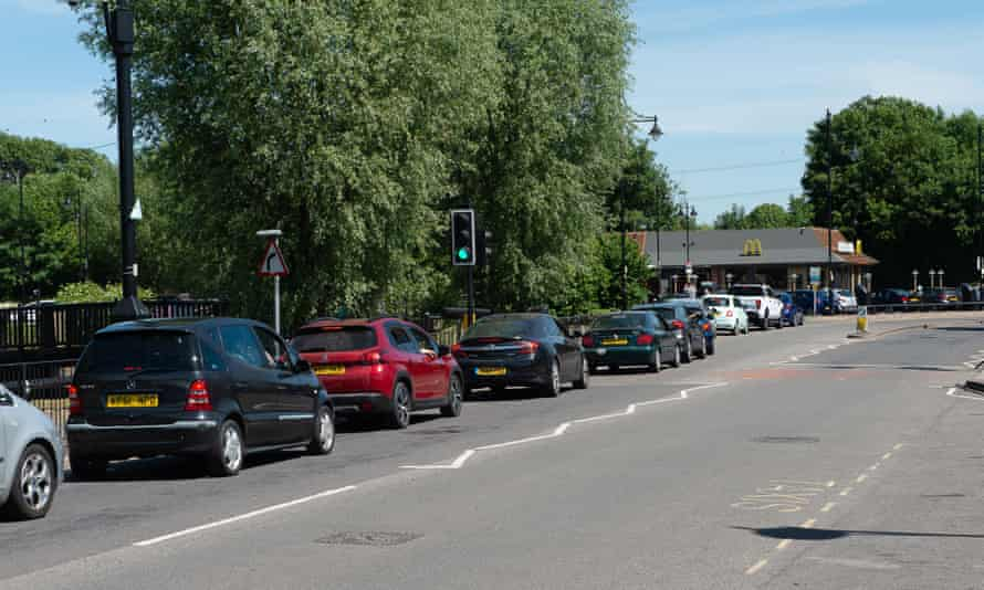 Queue of cars leading up to McDonald's