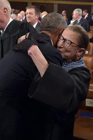 obama hugs
