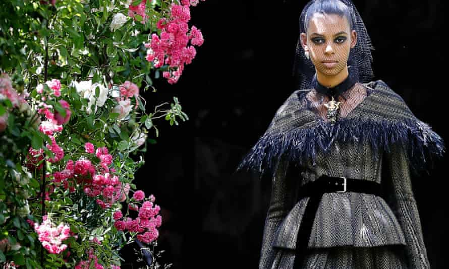 The collection featured much use of the corseted top and full skirt for which Dior is best known.