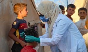masques chirurgicaux Coronavirus Live News: Nancy Pelosi vue dans un salon de coiffure sans masque; L'Allemagne exclut la fermeture hivernale | Nouvelles du monde