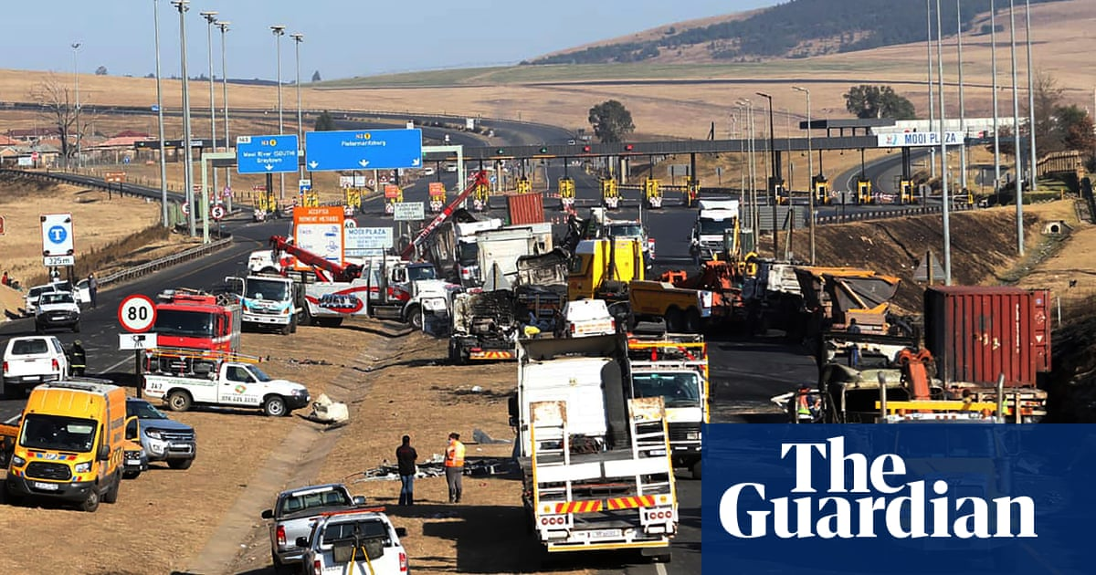 South Africa violence spreads after jailing of Jacob Zuma
