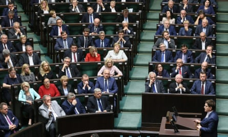 Beata Szydło voting on the abortion law in parliament