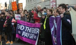 UCU members on strike at University College London