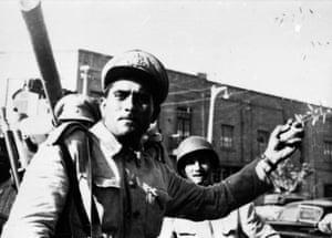 Battle outside Mosaddeq's home