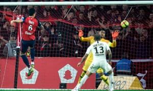 Jose Fonte scores for Lille v PSG