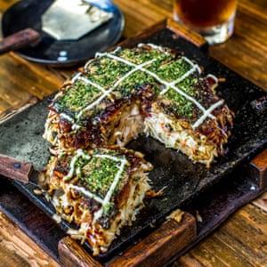 Taking crepe … okonomiyaki in Osaka