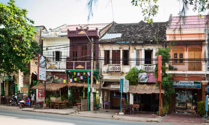Kampot street scene.