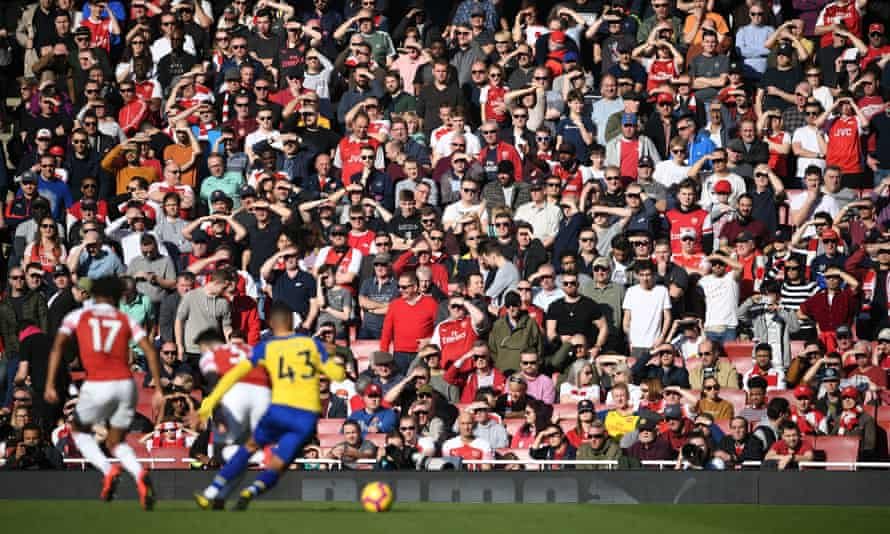 Fans, in severely limited numbers, will return to the Emirates Stadium next Thursday for the first time since March.