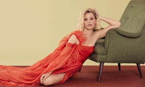 'I didn't have enough to do': Elizabeth Banks wears dress by Zuhair Murad and earrings by Jennifer Fisher.