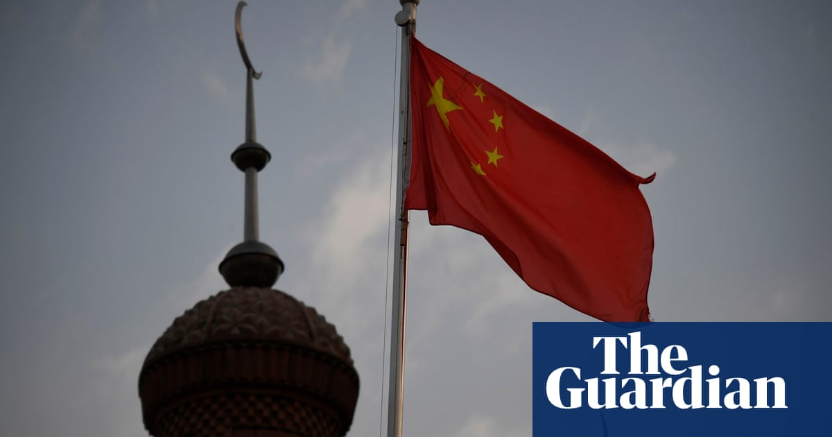 Science journal editor says he quit over China boycott article