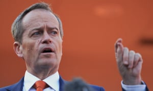 Bill Shorten says it is entirely possible for Australians to vote for a republic and still respect Queen Elizabeth.