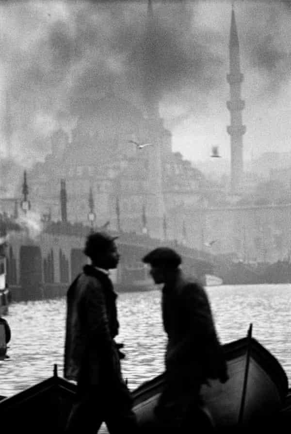 Halic, Istanbul 1956, by Ara Güler.