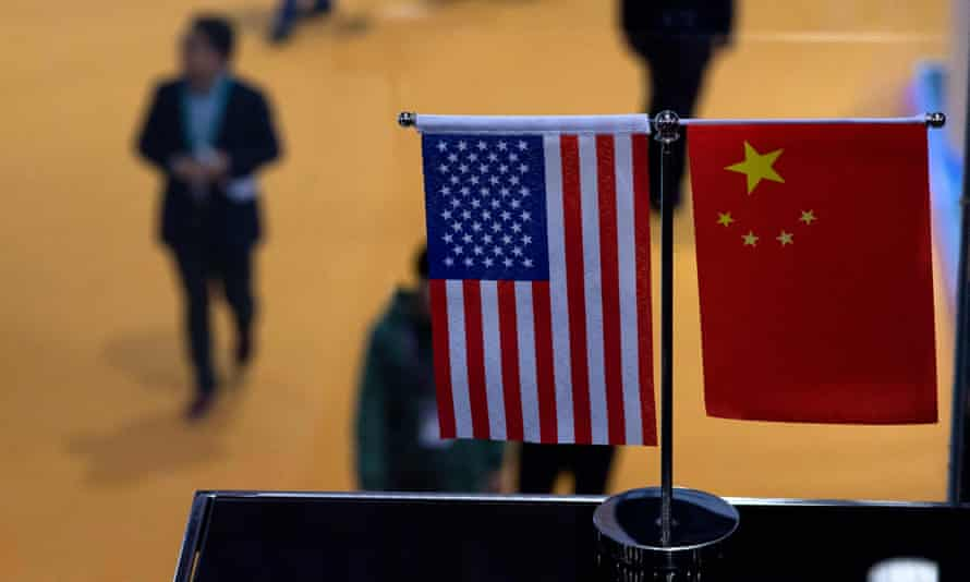 a Chinese and US flag
