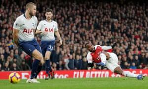Alexandre Lacazette fires home Arsenal's third