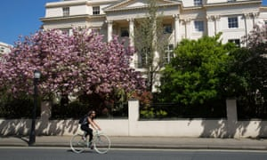 A cyclist on the Outer Circle in Regent's Park