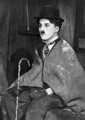 Chaplin as the Little Tramp in The Gold Rush,1925.