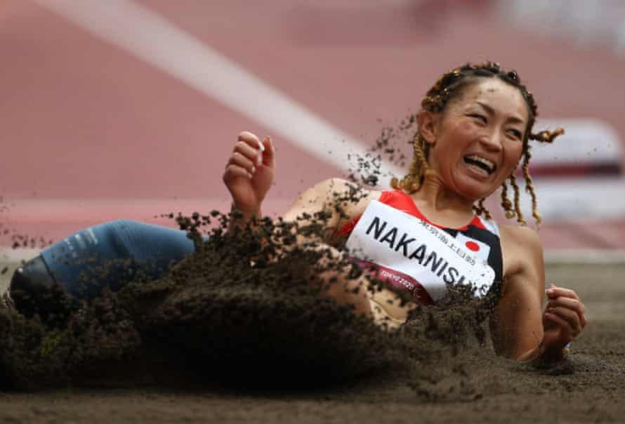 जापान की माया नाकानिशी लंबी कूद टी64 फाइनल में दौड़कर उतरीं।