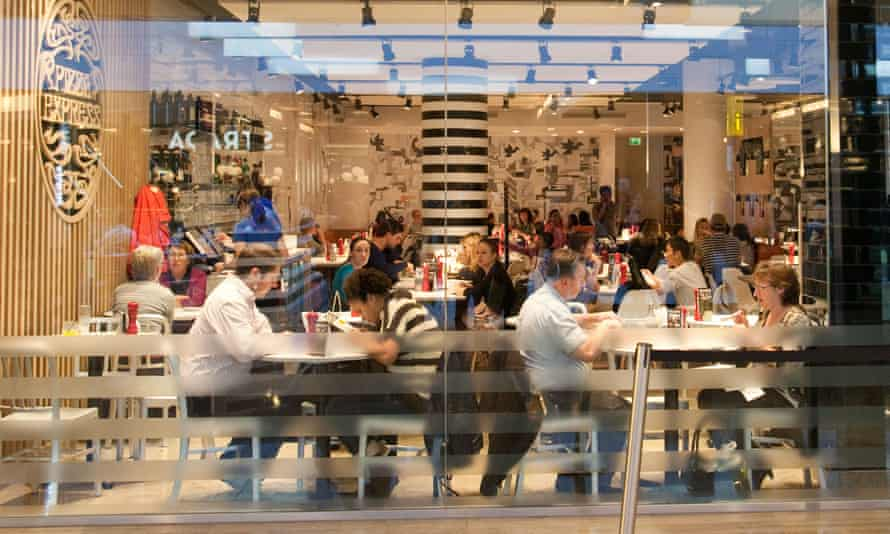 Diners at a Pizza Express