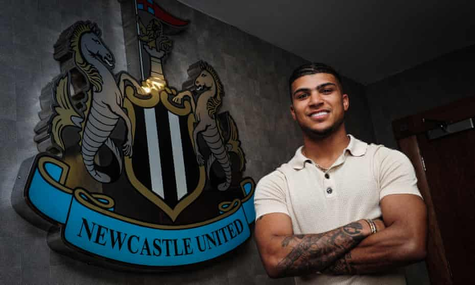 DeAndre Yedlin has signed a five-tear contract with Newcastle