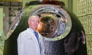 Ian Blatchford with Tim Peake's Soyuz TMA-M spacecraft