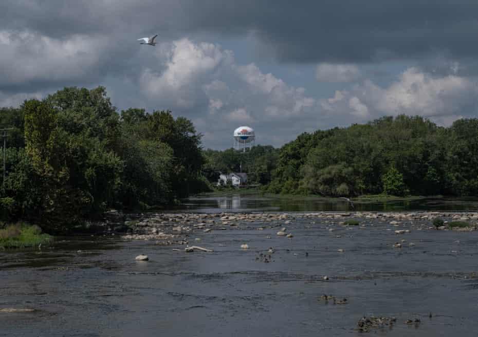 River Raisin running through Monroe.