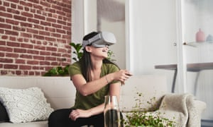 Oculus Go does not require tethering to a computer or phone.