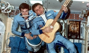 Sergei Krikalev (left) and Alexander Volkov jamming in space in 1989. Sergei has agreed to answer your questions about life in the Soviet space team.