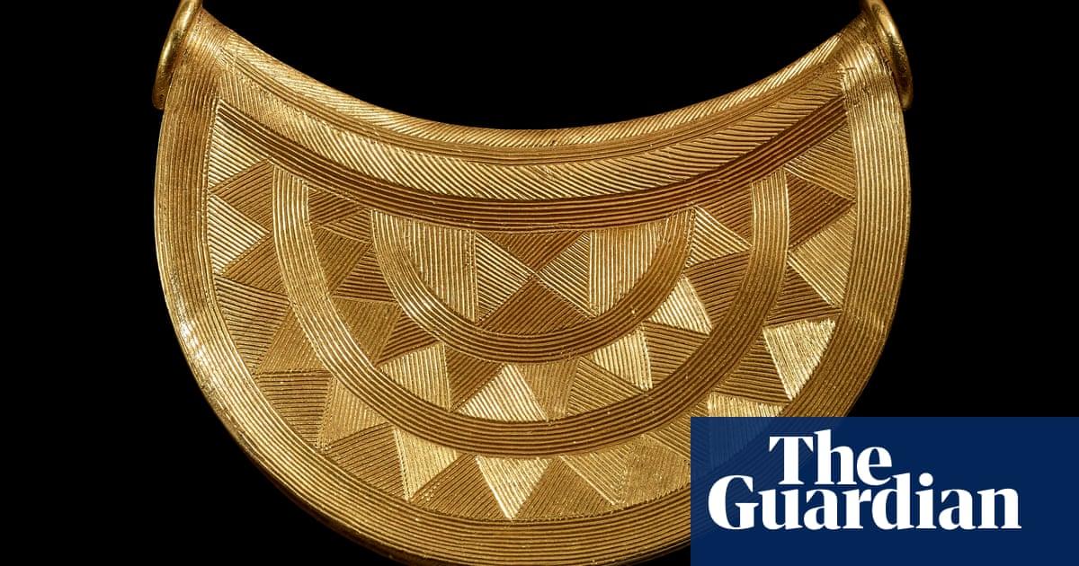 British Museum acquires 3,000-year-old Shropshire sun pendant