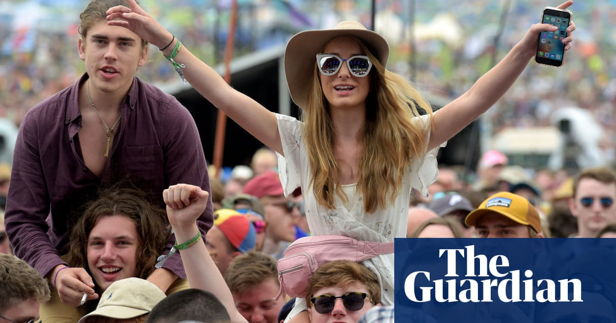 Blossoms to play England's first large music gig of 2021