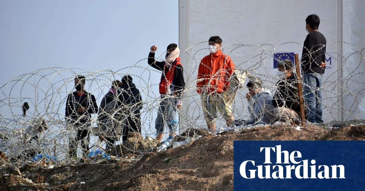 EU announces funding for five new refugee camps on Greek islands