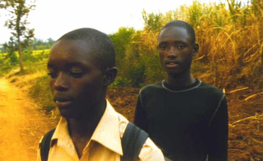 Josef Rutagengwa and Eric Ndorunkundiye in Chung's 2007 film Munyurangabo.