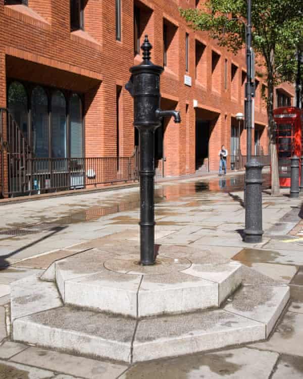 Dr John Snow's cholera water pump replica in Broad Street, London.