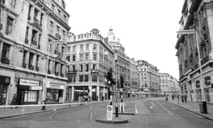Police cordon off Regent Street following IRA bombs in the West End, London, January 1977