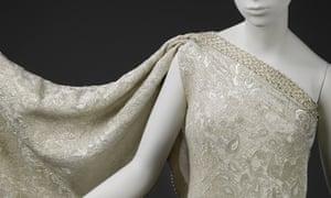Sari dress in brocaded silk, designed by Cristóbal Balenciaga in 1966.