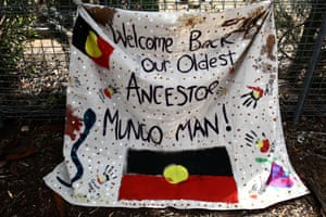 A banner welcoming home Mungo Man in Balranald cemetery.