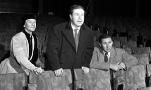 'Gielgud had a fine, pure, sensitive heart' … Brook, centre, at Stratford-upon-Avon in 1950 with the actor, left, and actor-director Anthony Quayle.