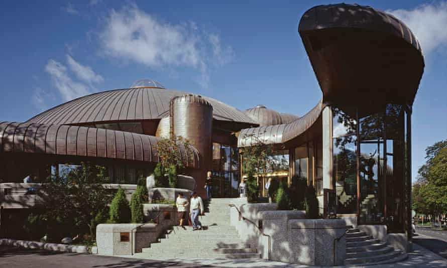20. Tampere Main Library Metso, 1986. Architects Raili and Reima Pietilä. Main entrance.
